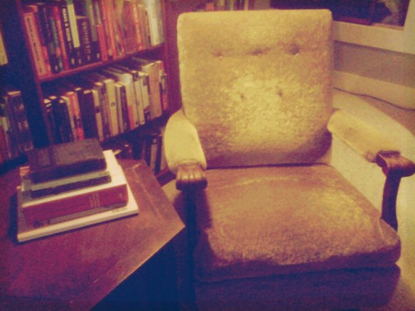 The new reading spot smack in the middle of my studio.