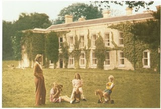 Daphne du Maurier and family