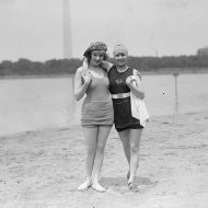 Actress Kay Laurell and friend, 1922