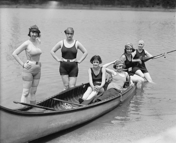 Actress Kay Laurell and friends in a canoe, 1922.