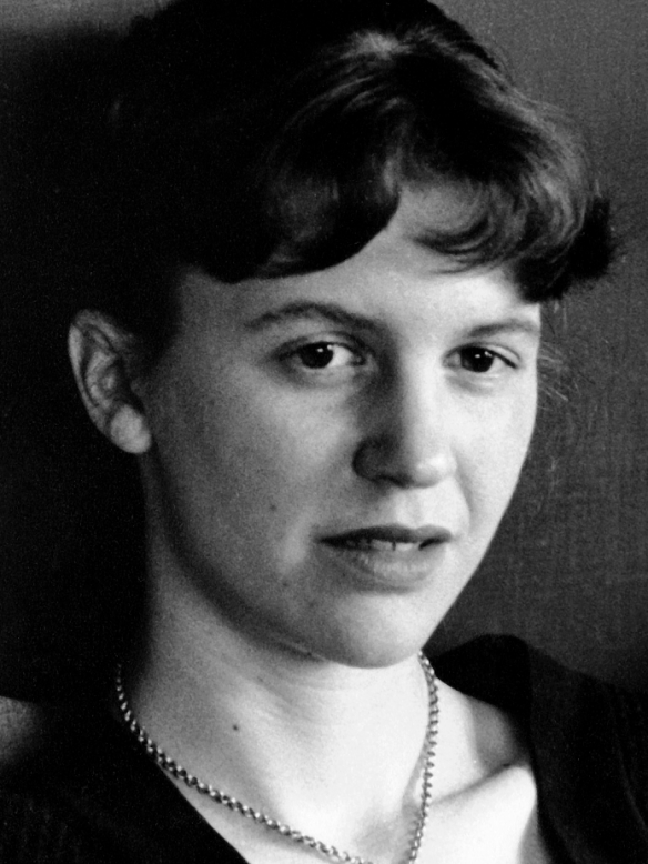 sylvia plath writing style 02082018 a detailed discussion of the writing styles running throughout blackberrying blackberrying including including point of.