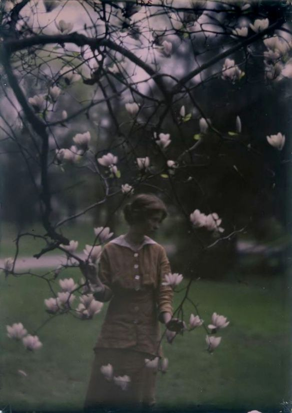 Edna St. Vincent Millay at Mitchell Kennerley's house in Mamaroneck,New York (1914). Photo by Arnold Genthe.