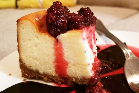 Cheesecake with blackberry compote